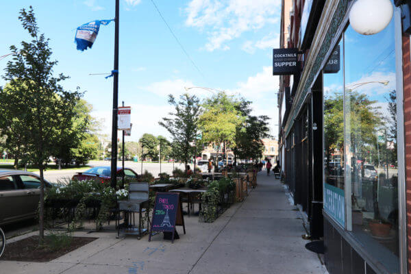 Outdoor patio in Logan Square
